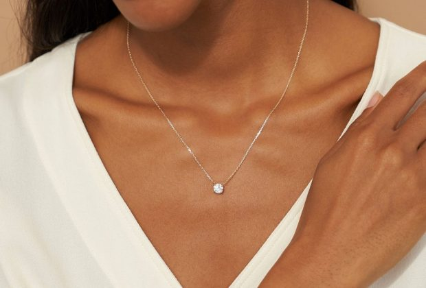 The Perfect anniversary necklaces for women